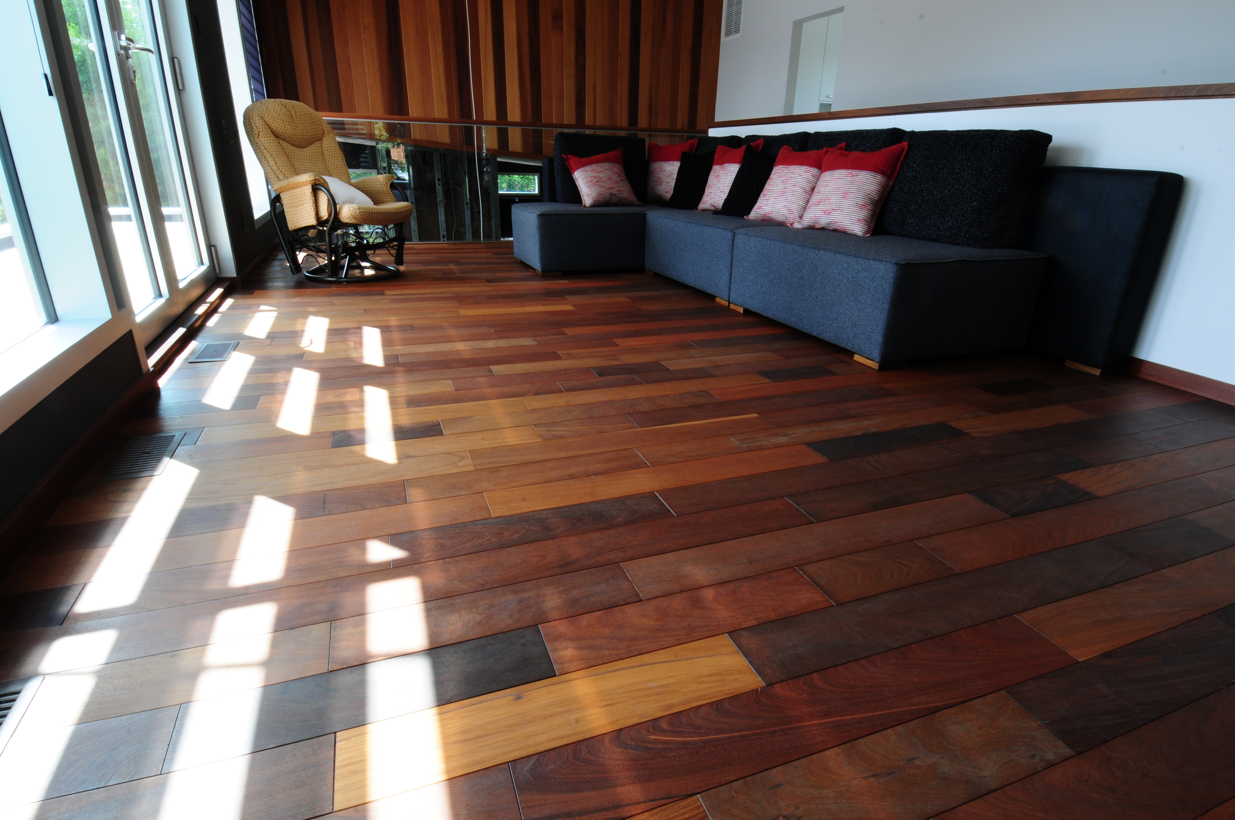 ip huil planchers et escaliers rbc. Black Bedroom Furniture Sets. Home Design Ideas