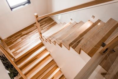 Escalier_Hickory_plancher